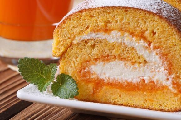 Rotolo all'arancia con crema allo yogurt