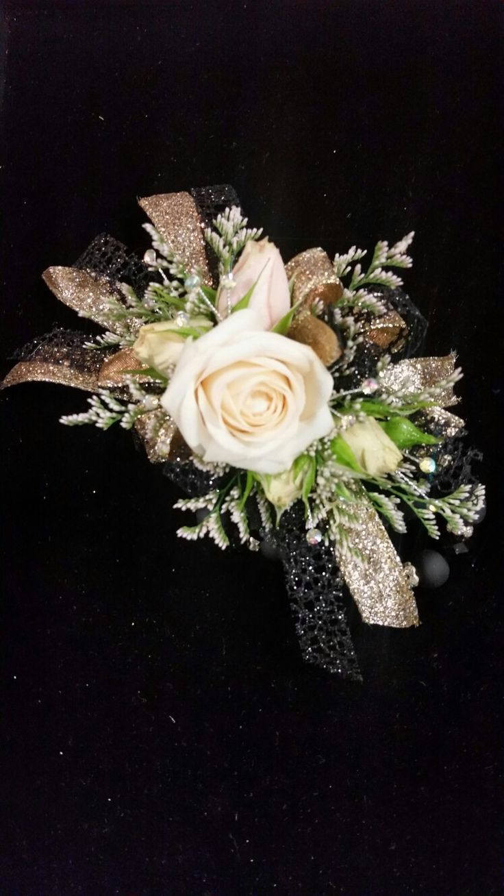 Blush Spray Roses With Black And Gold Accents Prom
