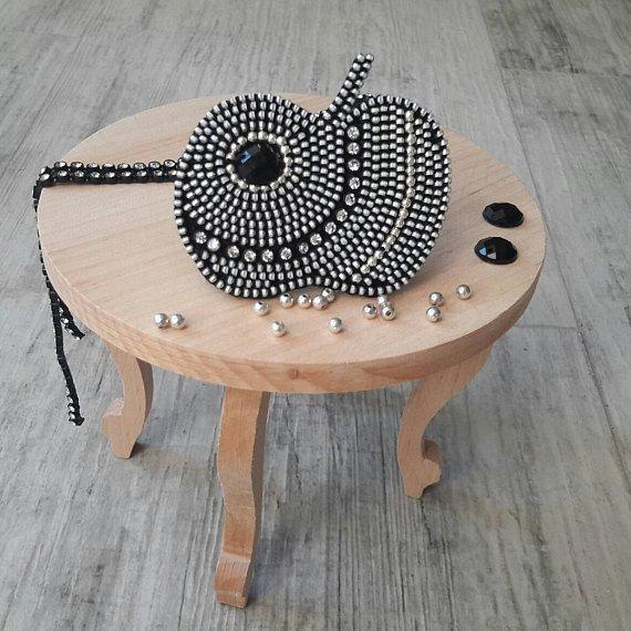 Apple brooch Fruit brooch Apple jewelry Teacher Gift Zipper