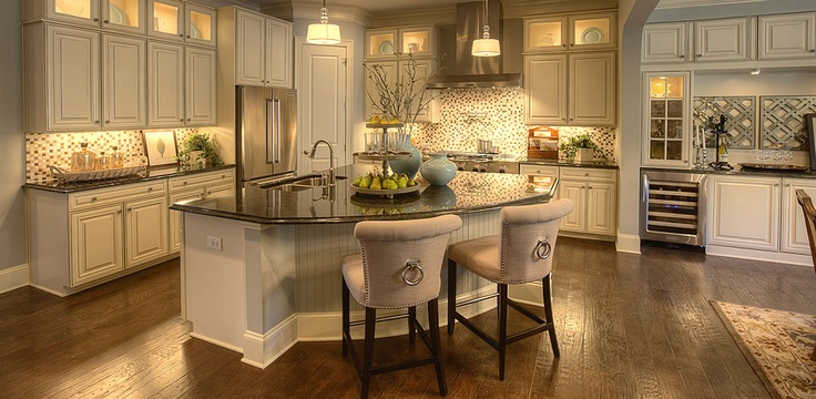 Open concept kitchen.. roomy