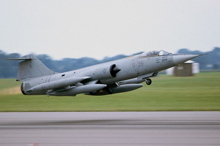 Italian Air Force F-104 Starfighter during take off at RAF Cottesmore from Riat 2000