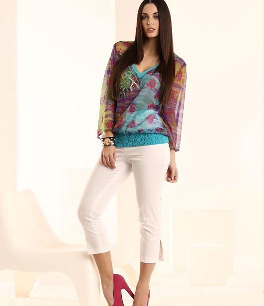 pantalone e casacca colorata