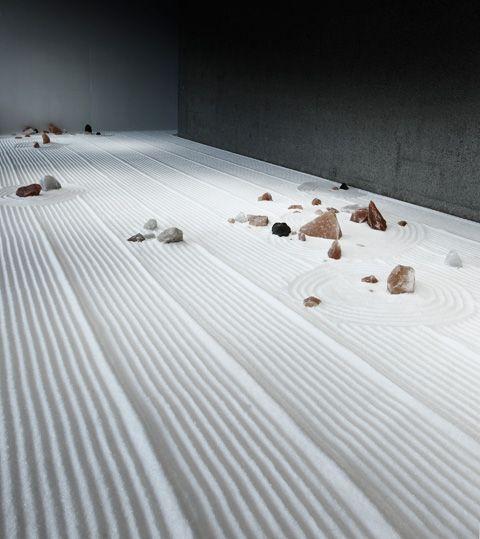 Motoi Yamamoto installation (10)