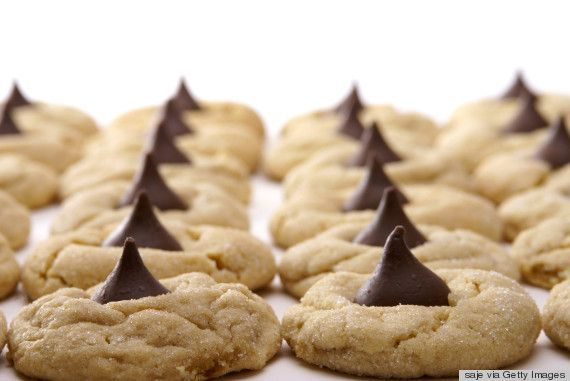 Peanut Blossom Cookies: The Heartbreaking Tale Of A Delicious Underdog, yum yum!