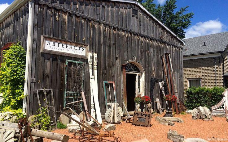 Antique shops in quaint St Jacobs Village