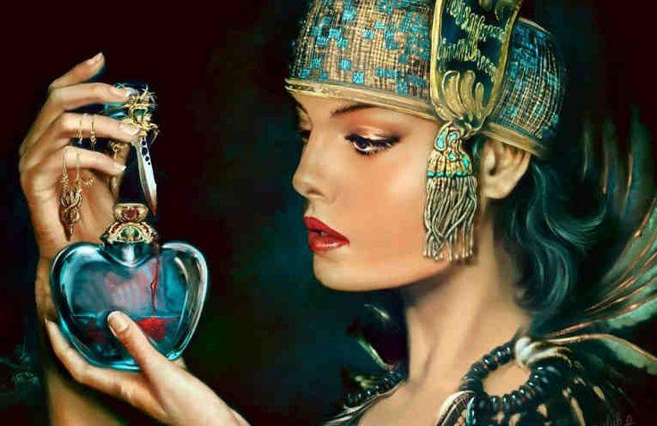 Эту маску называют Маска вечной молодости или Маска Шехерезады, потому что - по легенде - именно старшая дочь визиря царя Шахрияра придумала эту маску, которая помогла ей сохранить молодость на долгие годы. Маска очень популярна среди красавиц Востока и уже не первую сотню лет оправдывает их ожид