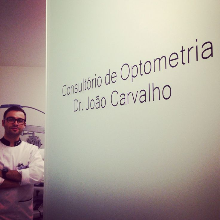 The sign is up! What are you waiting for? Have your eyes checked today by our Optometrist - Dr. João Carvalho!  #clerigosin #opticalconceptstore #porto #passeiodosclerigos #optometrist #eyes #contactlenses #optometria #rastreiovisual #consultaoptometria #examesvisuais #contactologia #tonometria