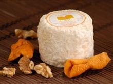 El Petitot - Girona Leche cruda de cabra. Coagulación láctea. Maduración mínima: 1 mes.