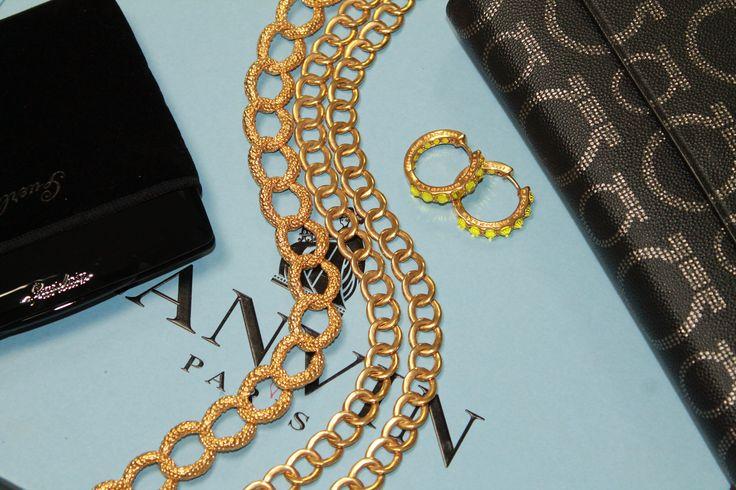 #rosebrinelli #necklace #earrings #jewelry #gold #beautifully