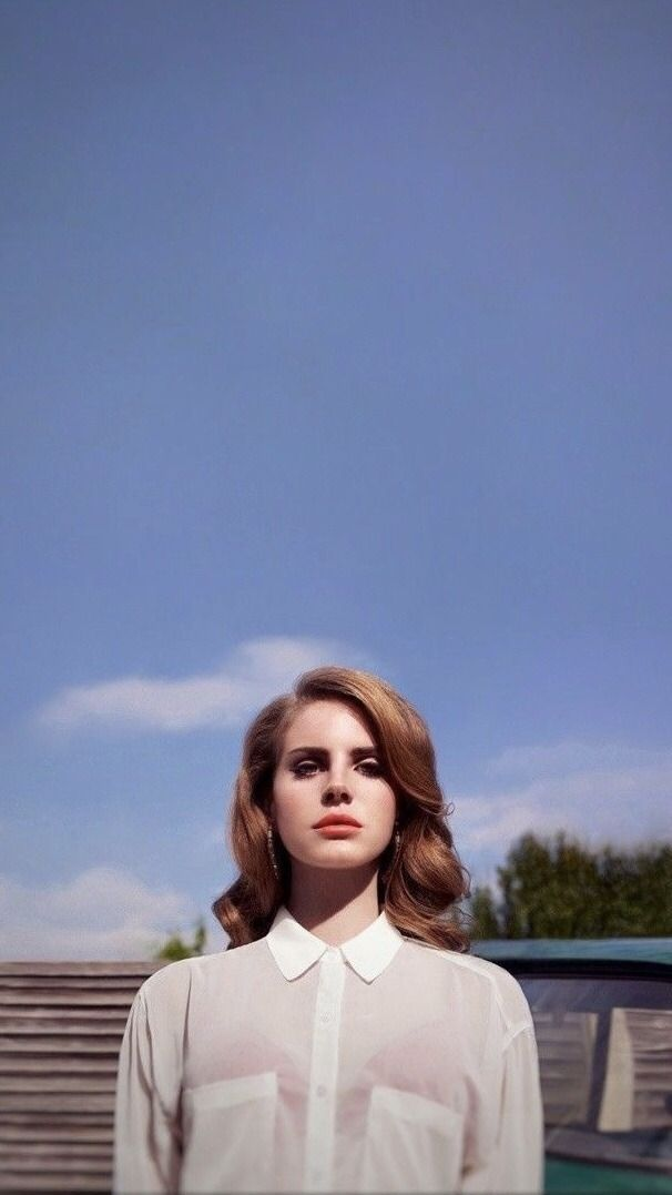 Pin By Hillary Ps On Laninha In 2020 Lana Del Ray Celebs Celebrity Wallpapers