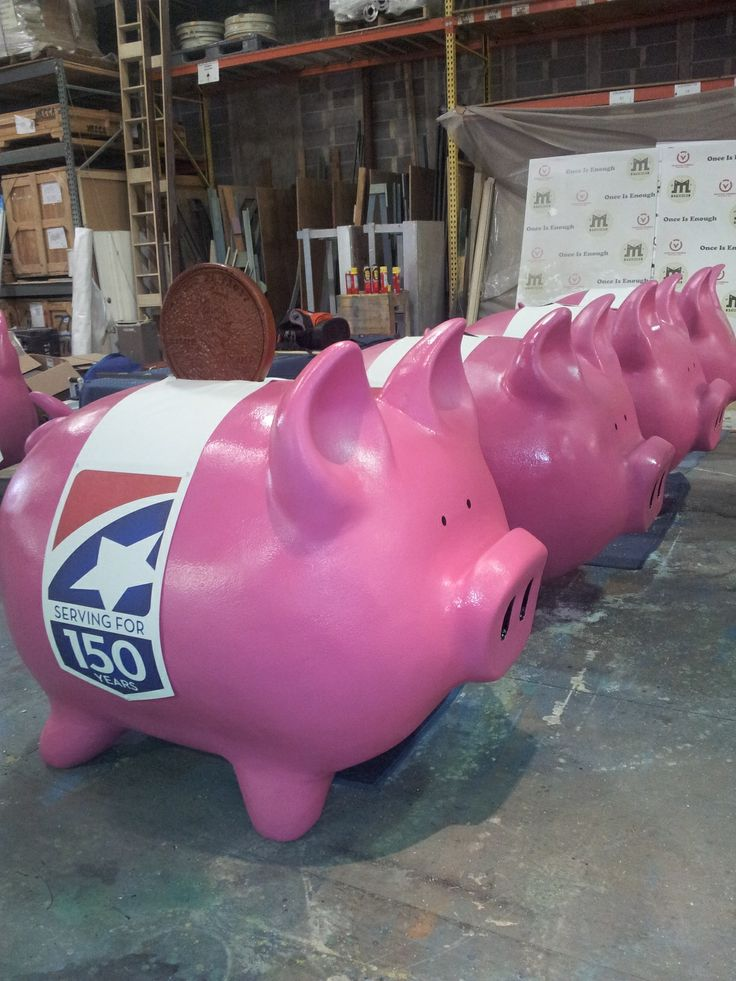 Giant pink piggy banks for 1st Tennessee Bank - 150 year celebration #meccadesign; http://www.meccadesign.com/
