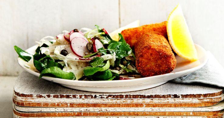 Op zoek naar een manier om de kinderen genoeg vis te laten eten? Geef ze deze viskroketten! Lekker met een frisse radijssalade!
