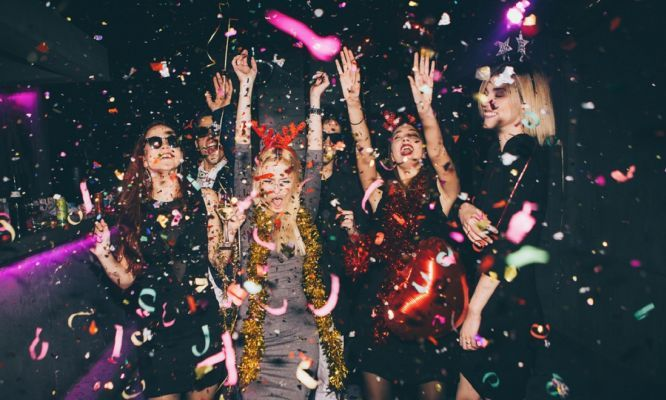 Does your personality change when you #drink?    A #study has shown that the way we see ourselves when drunk is different to how others see us. In fact, besides being a bit louder, they barely notice at all.    A team of #psychologists observed and analysed the behaviour of 156 brave participants aged 21 to 30. Before the session, they were quizzed on what they thought their personality traits were when they were #drunk compared to when they were sober.
