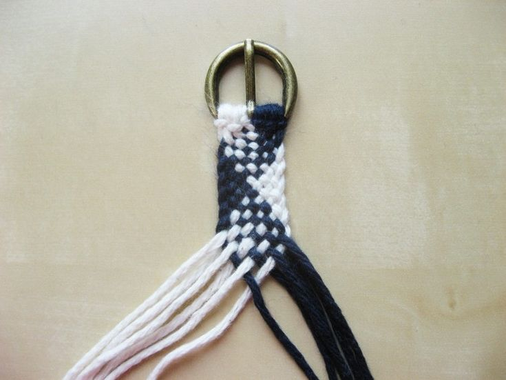 braided belt - use this pattern to make large wallhanging!!
