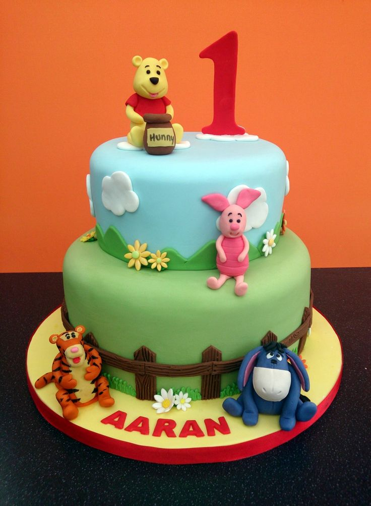 Pooh Birthday Cake Design : winnie pooh cakes 2 tier - Google Search Christening ...