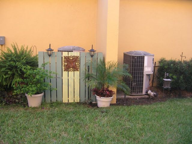 Garden pallet fence to hide the a c unit gardening pinterest gardens garden pallet and - Garden ideas to hide fence ...