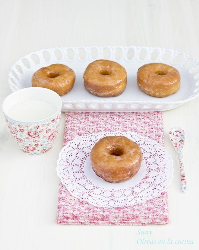 Donuts http://rositaysunyolivasenlacocina.blogspot.com/2013/04/donuts.html