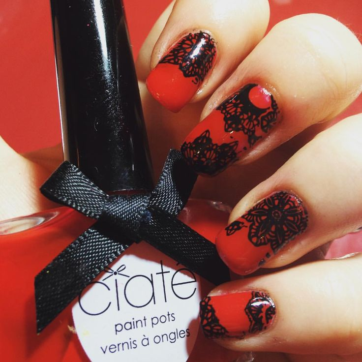 Day 2 of @gelulicious #31daynailchallenge and we have 'inspired by...' Red! #elbienails