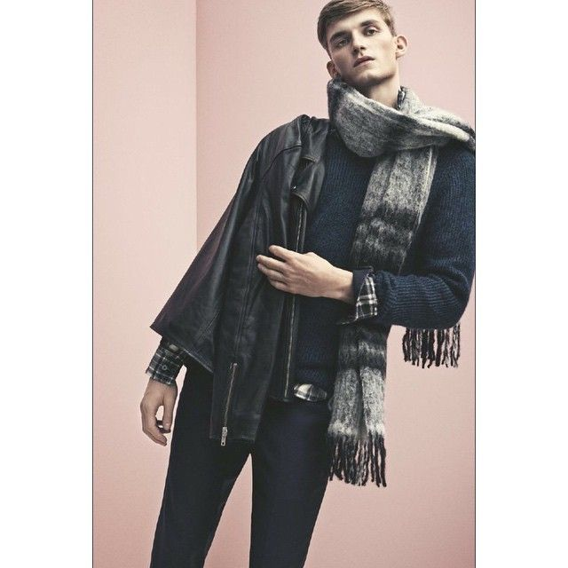 Perfect layers for him  #holzweiler #holzweileritems #campaign #eagleleatherjacket #fresia #scarf