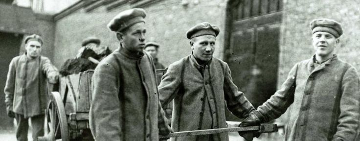 Prisoners working in the Helsinki prison  1910, photo credit: Vankilamuseo,                 Prison museum