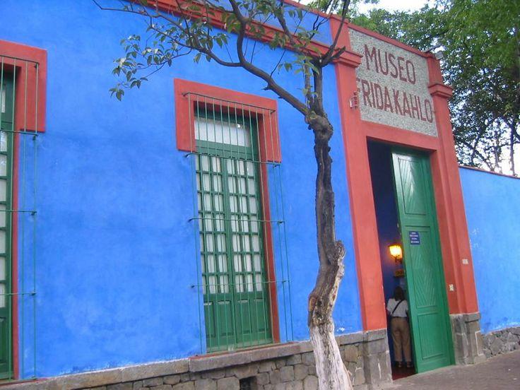 Museo casa de Frida Kahlo Museo, Ciudad de México, Museum at Frida Kahlo's home, Mexico City