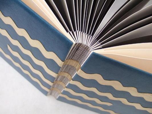 AU RELIEUR JOYEUX | Fiche détaillée Annuaire Officiel des Métiers d'Art de France : artisans art floral, verre, textile, terre, cuir, bois