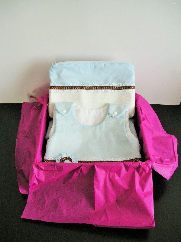 Kit de regalo colección Florencia de Boncoquét. Contiene saco de dormir para bebé y neceser. www.facebook.com/boncoquet