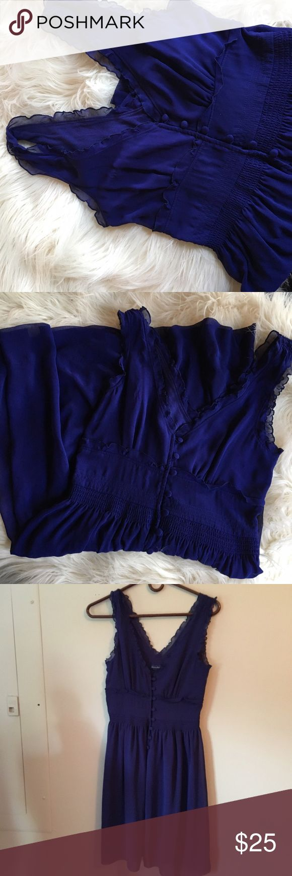Blue American Eagle dress Pretty flowey dress. Worn a few times. In great condition. From a smoke free home. American Eagle Outfitters Dresses Midi