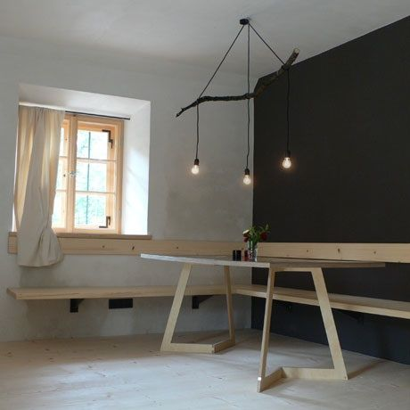 Beautiful branch light + black, white and wood paletteBranches Chand, Kitchens Benches, Branches Lights, Lights Fixtures, Trees Branches, Diy Lights, Pendants Lights, Diy Branches, Black Wall
