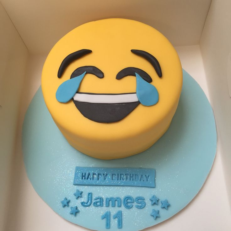 A Smiley Face Birthday Cake Emoticon For Facebook Best 25 Emoji Ideas On Pinterest