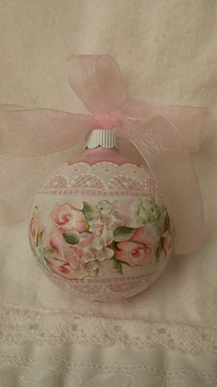 Vintage Shabby Pink! Looks like it is hand painted. Maybe try to do it one day!