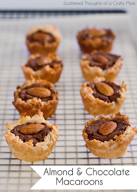 Almond and Chocolate Macaroons... Yum, fudge and macaroons combined!