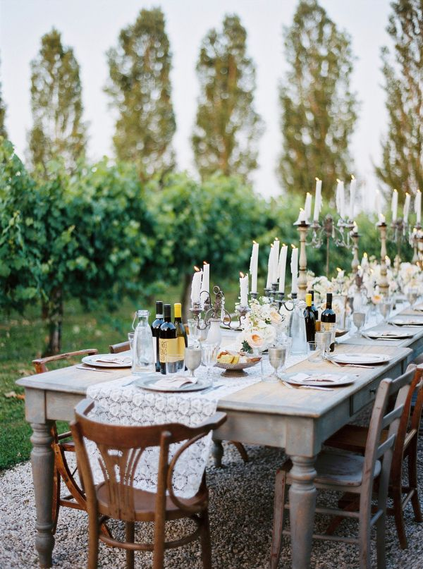 rustic reception in Italy, photo by Cinzia Bruschini http://ruffledblog.com/intimate-italian-wedding-with-rustic-details #weddingideas #receptions
