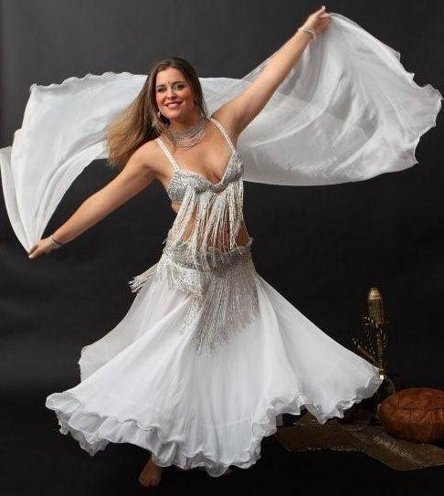 Ogni martedì mattina alle 10.30, la #danzadelventre con il #velo! A Spazio Aries!