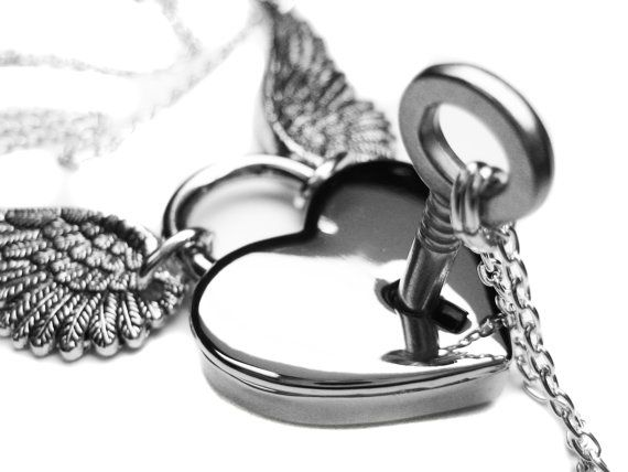 Angel Wing Necklace Set. Engraved Winged Heart Lock Necklace. Couples Wedding Silver Skeleton Key Boyfriend Girlfriend Lovers Padlock
