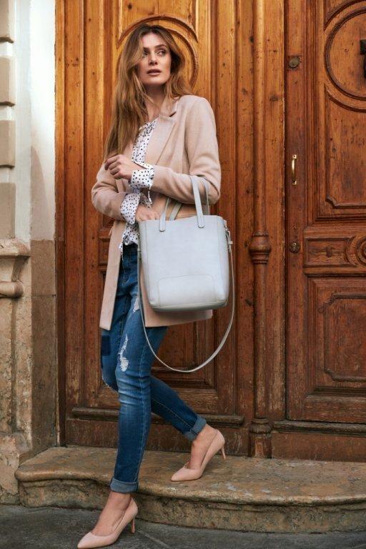 Kampania TOP SECRET wiosna 2017 pale pink coat denim trend casual outfie shopper bag spring 2017