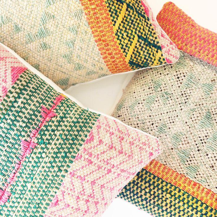 Vintage Frazada Rainbow-tyynynpäälliset.