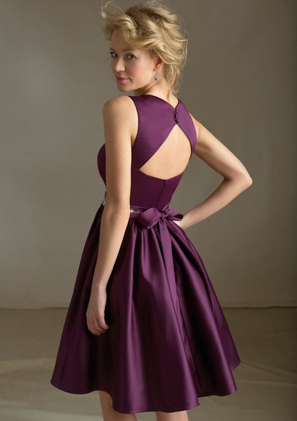 Elegant short purple bridesmaid dress with v-neck and keyhole back
