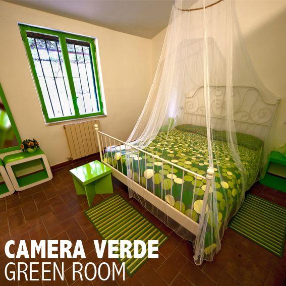 Camera verde..per una vacanza a colori alle Case rurali CarrubBELLA