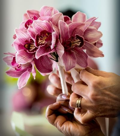 Floristry courses include areas of interest such as home decoration and gift work, wedding design, arrangements for parties and events and sympathy flowers.