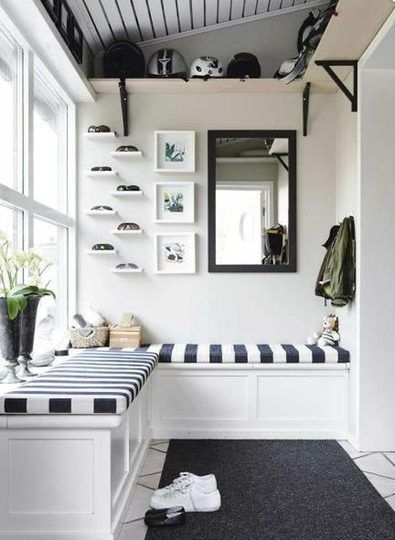 navy and white mudroom
