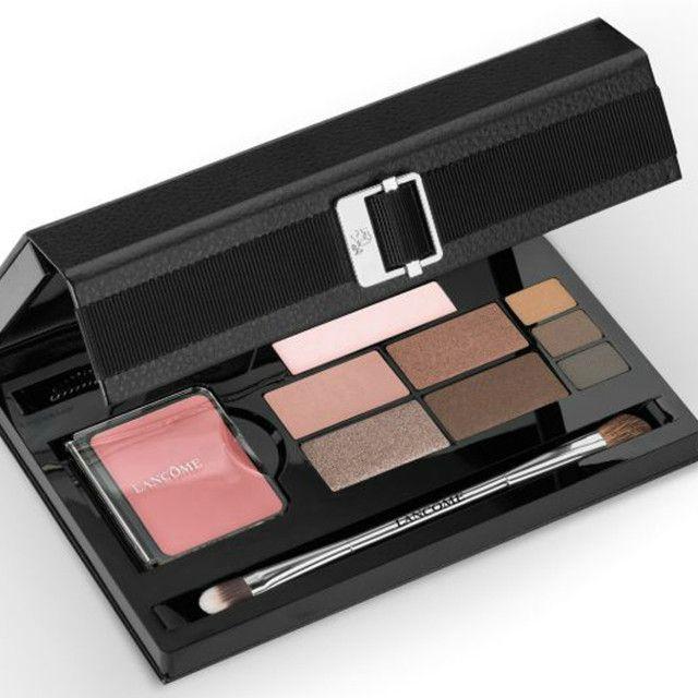 https://urbanglamourous.wordpress.com/…/paletas-de-sombra-…/ #Chanel, #Cosmetics, #eyeshadow, #Givenchy, #Lancôme, #MakeUp, #Maquilhagem, #MarcJacobs, #Paleta, #Palette, #Sombra, #YvesSaintLaurent