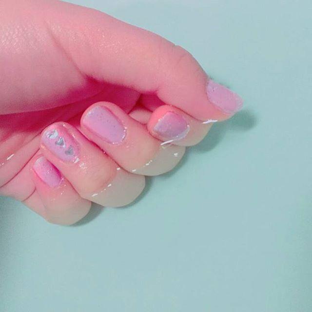 紫とピンクのグラデーション なんかほわほわしてる #ハート#ピンク#ムラサキ#セルフネイル#selfnail#pink#purple#ネイル#nail#instanails