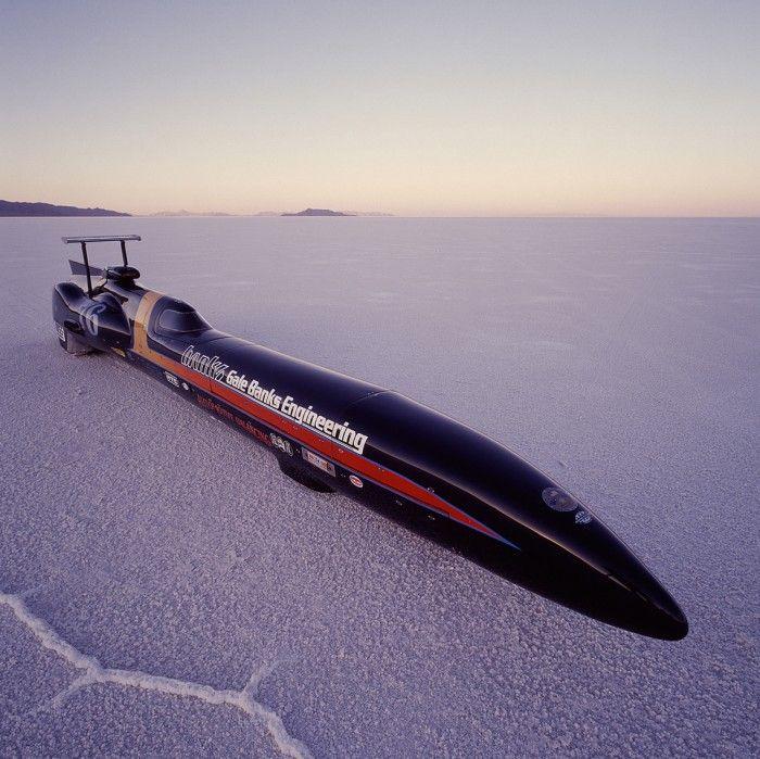 While the Bonneville Salt Flatsin 2002 supportedthe achievement of anFIA streamliner-class world record of 405