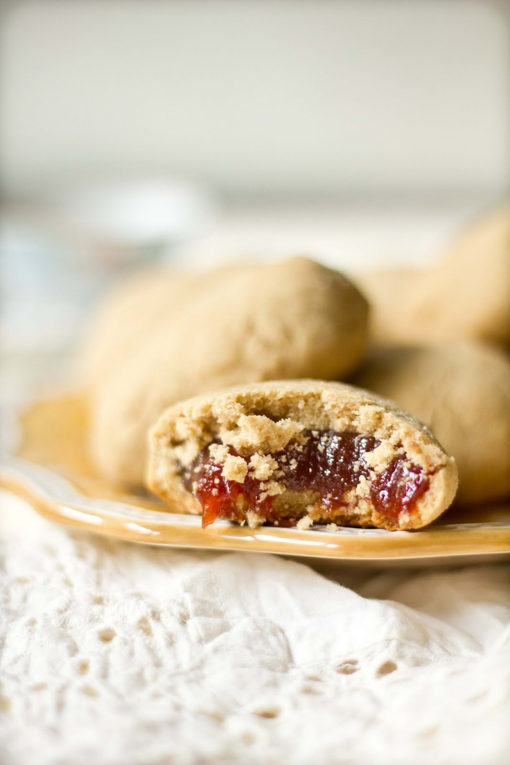 Oh MY! Guava-Filled Shortbread Cookies.  Something my honey will adore!