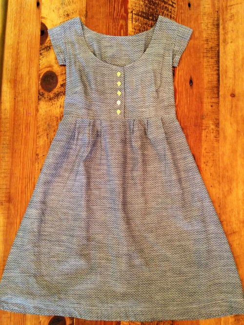 Carrieinstitches shows how to add a BUTTON PLACKET to the Made by Rae Washi Dress!! #washidress