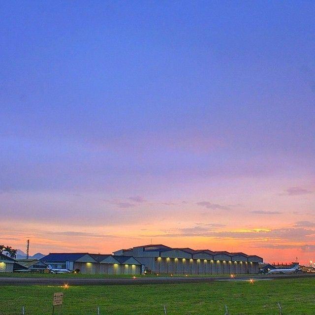 formidable picture by #bandungphotographer @salmanramadhan    taken at: Husein Sastranegara Airport    wanna get reposted here? tag @bandungphotographer and dont forget to use  #bandungphotographer   #photographerbandung #pengenkebandung #pengentraveling #indonesiaphotographers #fotograferbandung #bandungjuara #bandung #photographer #photooftheday #katabandung #rindubandung