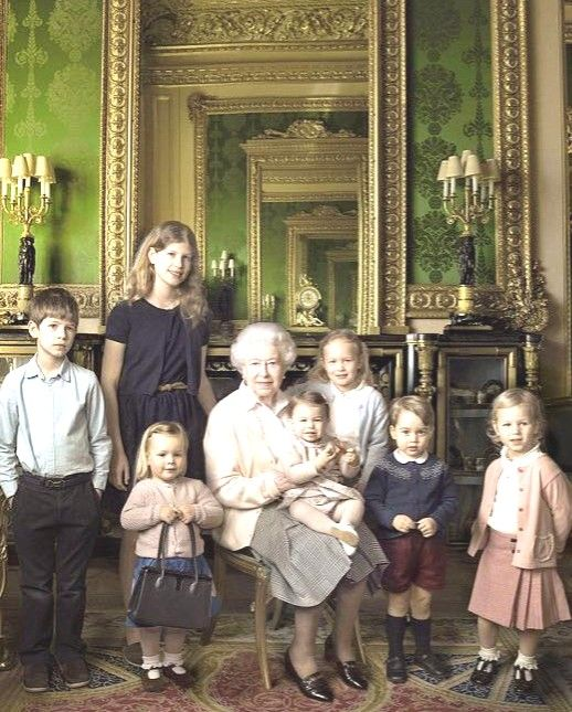 HM Queen Elizabeth II & 5 Grandchildren & 2 Great-Grandchildren George and Charlotte) * Spring 2016