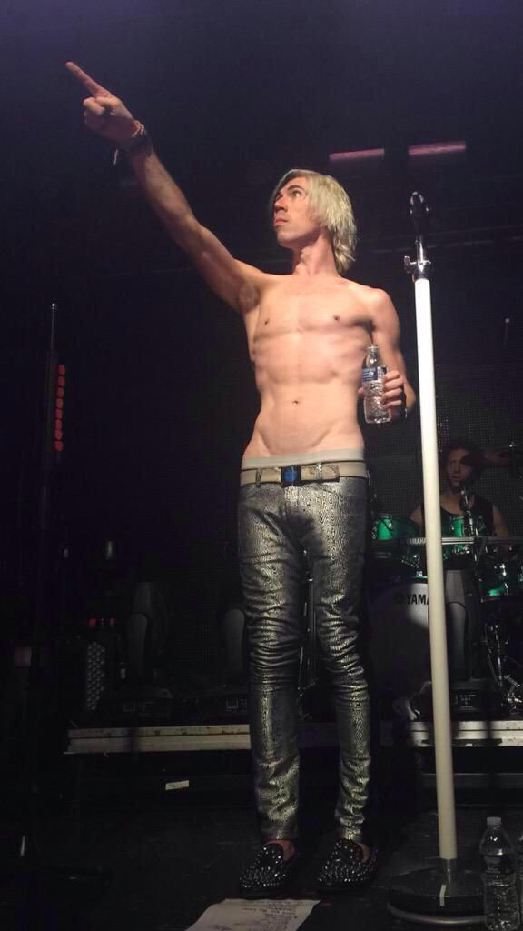 """ayley-oh-zero: """"Shirtless Josh Ramsay. That is all. """""""