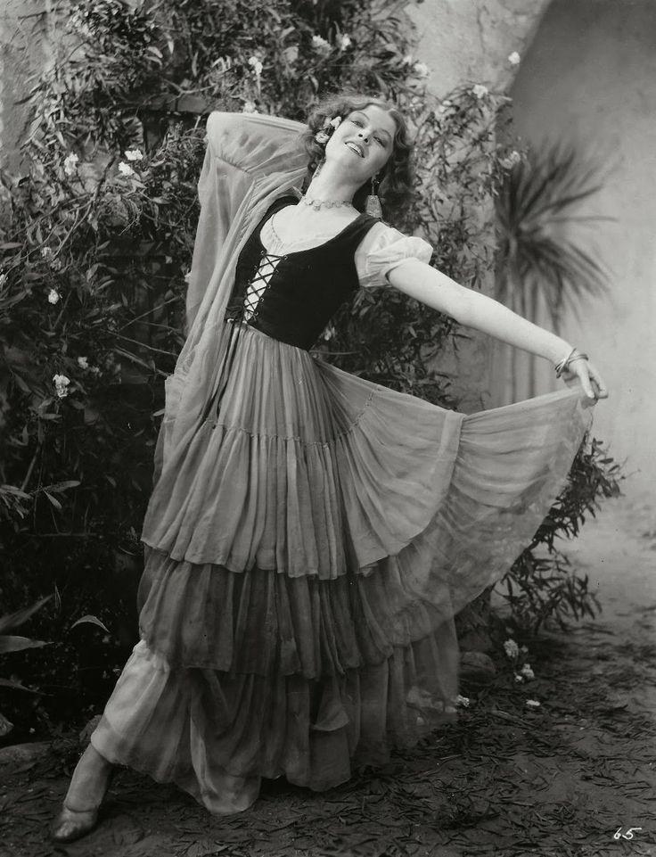 Myrna Loy Myrna loy, Golden age of hollywood, Perfect wife